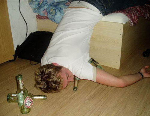 http://www.aeronoviny.cz/images/crazy-drunk-man.jpg